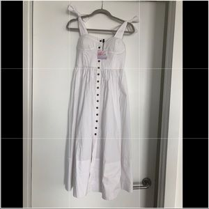White cotton dress with pockets